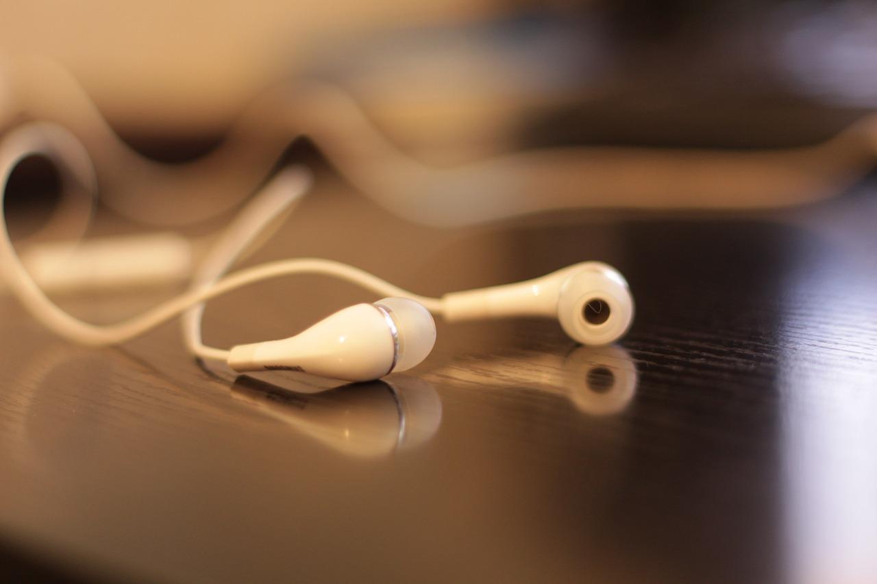 Quelles sont les qualités d'un professionnel de la communication audio ?